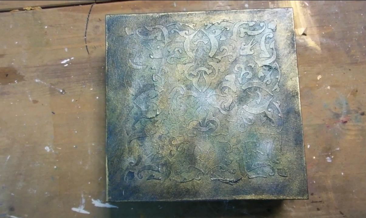 Εφέ Σφυρήλατου σε ξύλινο κουτί